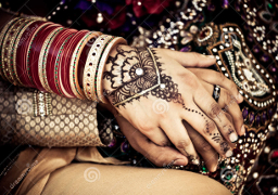east_indian_hands_couple_256x180